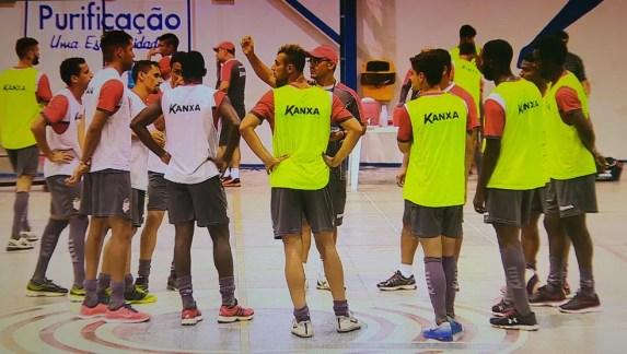 Sergipe treina em quadra nesta terça (Foto: Reprodução/TV Sergipe)
