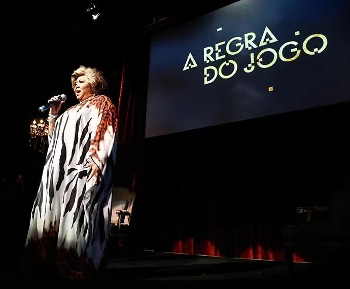 Alcione apareceu de surpresa e cantou à capela o tema da novela Juízo Final (Foto: Raphael Dias/TV Globo)