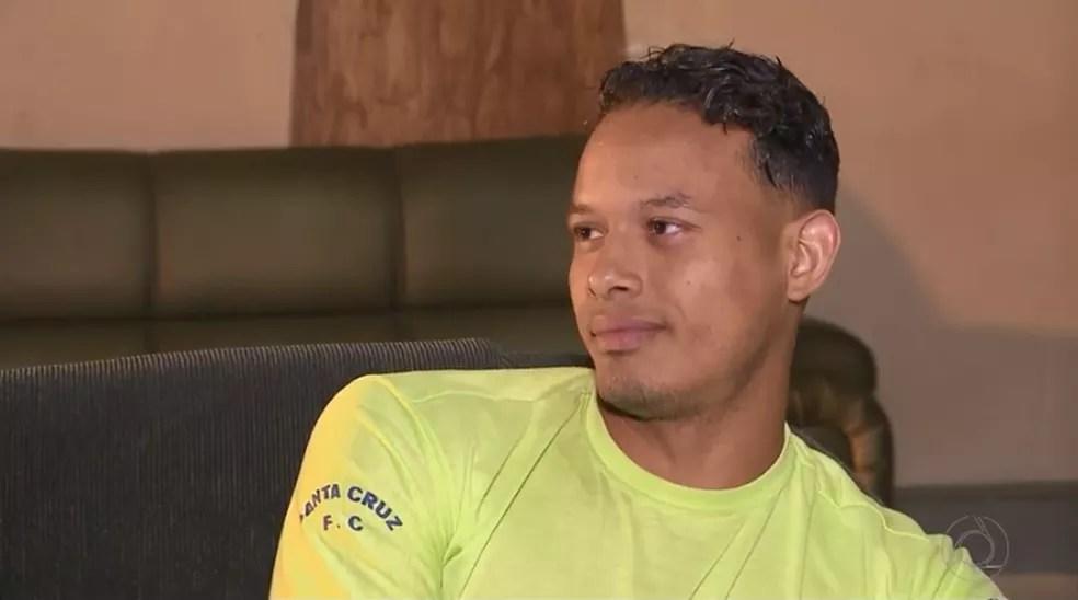 Jabner Asael saiu da Venezuela há dois anos, enquanto a crise não era tão forte (Foto: Reprodução/TV Paraíba)