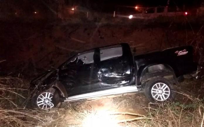 Caminhonete se envolve em acidente na BR-414, em Anápolis, Goiás (Foto: Divulgação/ PRF)