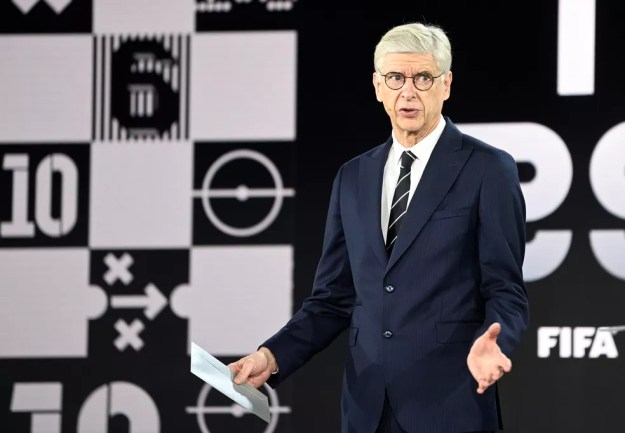 Arsène Wenger foi um dos integrantes do grupo organizado pela Fifa para discutir calendário — Foto: Reuters