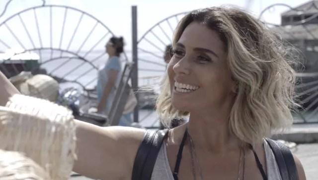 Mesmo de visual novo, Luzia é reconhecida pelo seu grande amor (Foto: TV Globo)