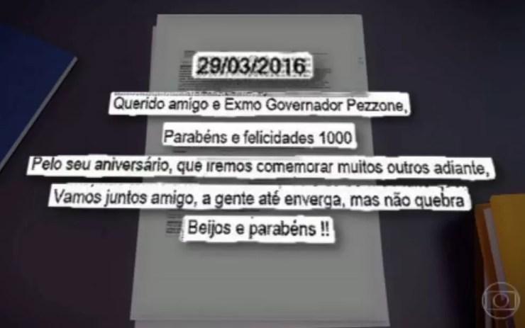 Mensagens de celular indicam intimidade entre Carlos Bezerra e Pezão (Foto: Reprodução / TV Globo)