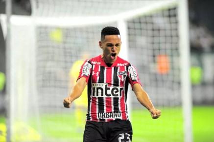 Marcos Guilherme comemora gol do São Paulo no clássico diante do Palmeiras (Foto: Marcos Ribolli)