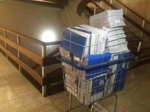 Documentos apreendidos pela operação Lama Asfáltica (Foto: Maria Caroline Palieraqui/ G1 MS)