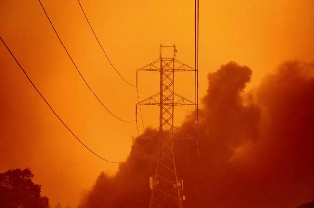 Fumaça de incêndios no norte da Califórnia em setembro de 2020 — Foto: Noah Berger/AP Photo
