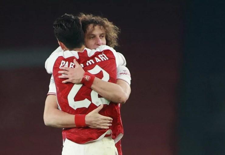 Pablo Marí e David Luiz formaram a defesa do Arsenal  — Foto: Hannah Mckay/Reuters