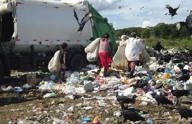 Trabalho em lixões da Bahia é investigado pelo MPT (Foto: Divulgação/MPT)