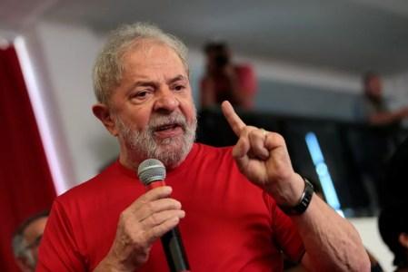 Lula discursa no sindicato dos Metalúrgicos de São Bernardo em foto de janeiro de 2018 (Foto: Leonardo Benassatto/Reuters)