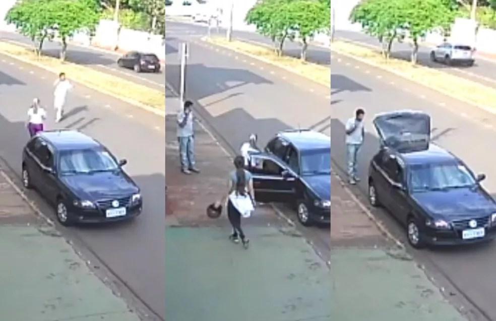 Imagem mostra Rodrigo abordando Mariana Bazza e amiga dela na frente de academia — Foto: Reprodução/TV Globo