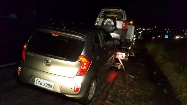 Funcionários foram atropelados ao prestar socorro na Rodovia Santos Dumont (Foto: Paulo Agusto/EPTV)