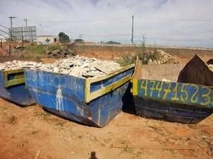 Caçambas foram apreendidas por irregularidades em Suzano. (Foto: Divulgação/Prefeitura de Suzano)