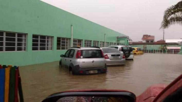 Laguna decretou situação de emergência após passagem da chuva nesta quarta-feira (9) — Foto: Prefeitura de Laguna/Reprodução