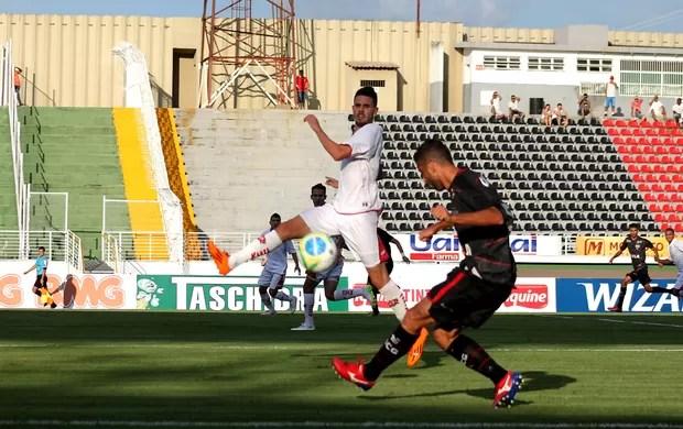Boa Esporte x Atlético-GO (Foto: Pakito Varginha / Futura Press)