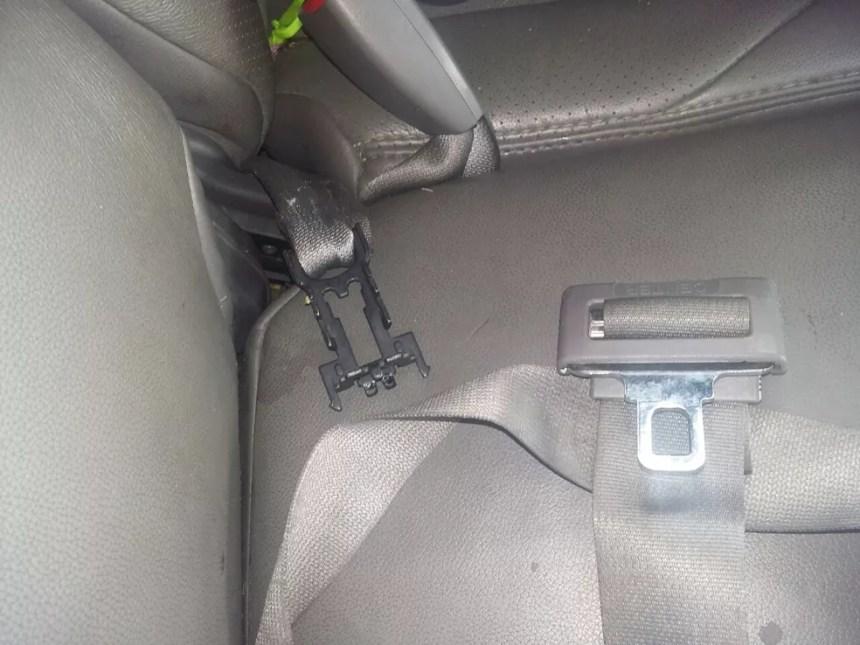 PRF acredita que mulher tenha sido arremessada por conta de problema no cinto de segurança (Foto: Divulgação/PRF)