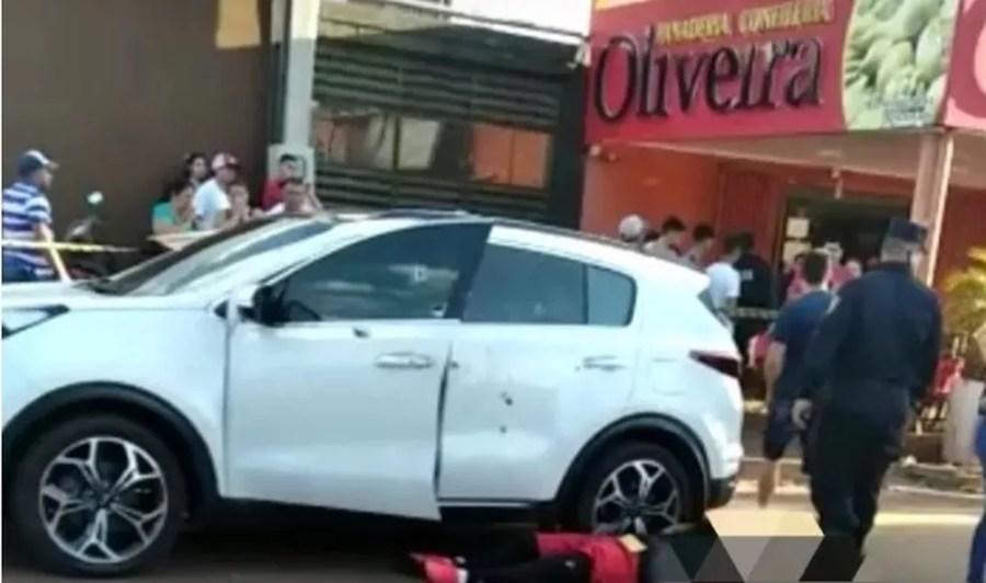 Ex-agente antidrogas do Paraguai é executado, em Pedro Juan Caballero. — Foto: Dourados Agora