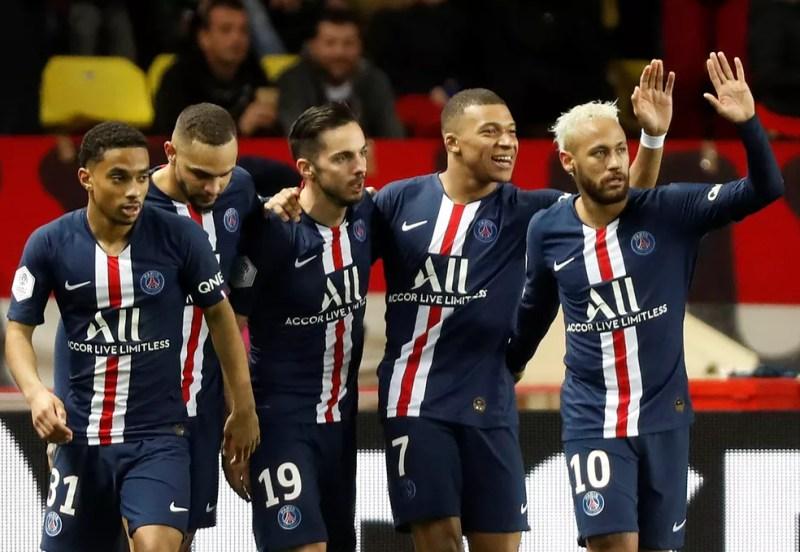 Neymar, Mbappé e companhia comemoram gol do PSG contra o Monaco — Foto: Reuters/Eric Gaillard