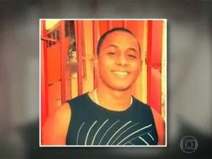 Ryan Procópio, de 23 anos, estava há menos de um ano na PM (Foto: Reprodução/TV Globo)