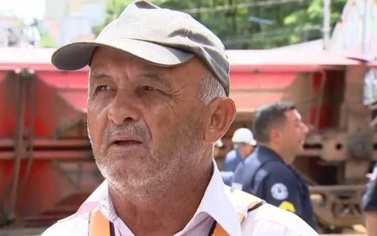 José Rubens da Silva trabalha como canceleiro (Foto: Reprodução/TV TEM)