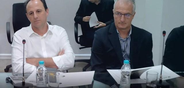 Dorival e Rogério Ceni em evento na FPF para discutir o papel dos treinadores (Foto: Rodrigo Corsi/FPF)