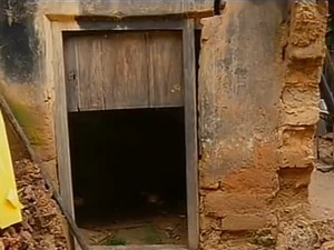 Moradores dizem que Iphan deveria fiscalizar melhor as casas de Natividade (Foto: Reprodução/TV Anhanguera)