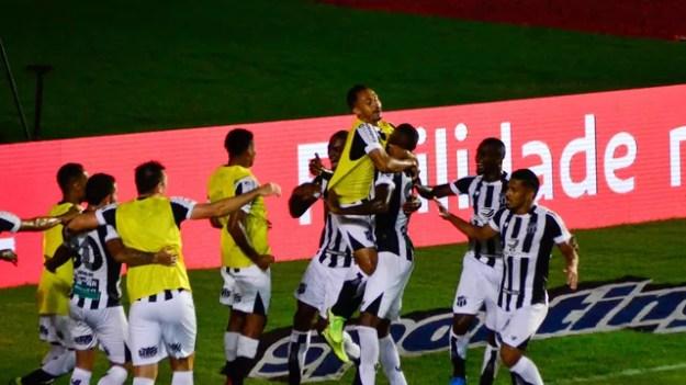 Jogadores do Ceará comemoram título da Copa do Nordeste em Pituaçu