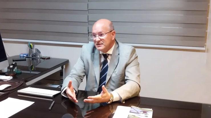 Advogado José Roberto Nunes diz que cirurgião tem especialização para atuar na área (Foto: Jéssica Alves/G1)