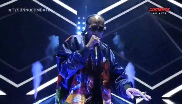 Snoop Dogg subiu ao palco antes de luta entre Tyson e Roy Jones — Foto: Reprodução