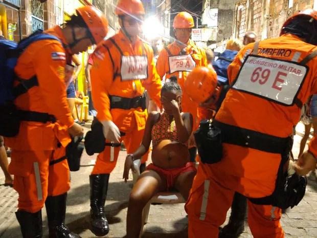 Jovem de 22 anos entrou em trabalho de parto em circuito de Salvador (Foto: Divulgação/Corpo de Bombeiros)