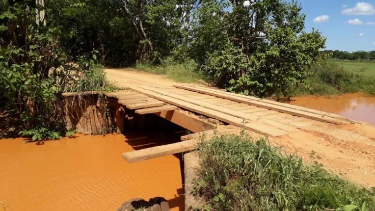 Ponte de São Pedro da Garça perdeu parte da estrutura há mais de três meses — Foto: Danilo Santos/ Arquivo pessoal