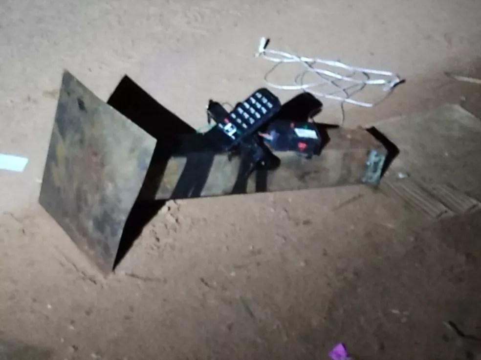 Bomba abandonada por criminosos que atacaram bancos em Araçatuba — Foto: Divulgação/Gate PM SP