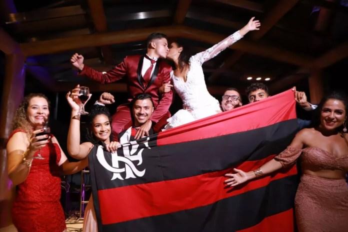 Casal de Eunápolis atrasa casamento por causa de jogo do Flamengo na Libertadores — Foto: Quelvin Clécio/Arquivo pessoal