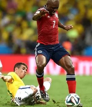 Oscar no jogo Brasil x Colômbia (Foto: AFP)