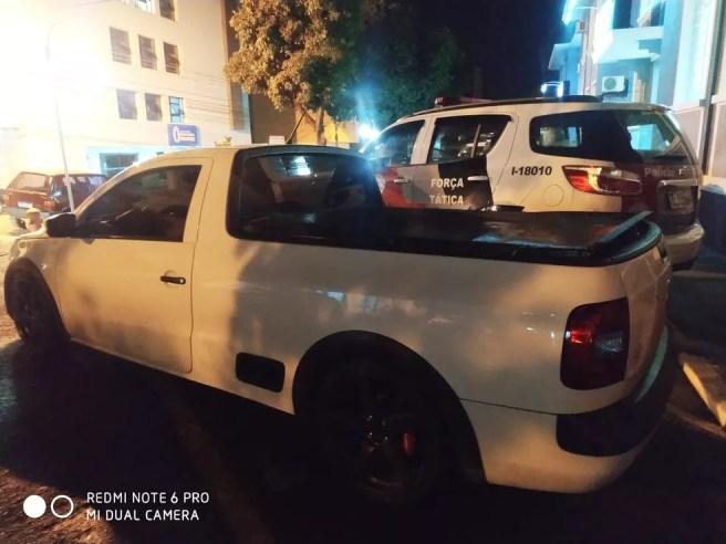 Preso conduzia uma picape, que acabou apreendida pela PM — Foto: Polícia Militar