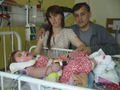 Silvia Herbon e Carlos Sánchez com a filha Camila. (Foto: Reuters)