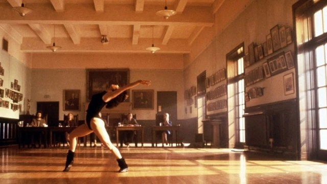 Globo exibe o filme Flashdance: Em Ritmo de Embalo na Sessão da Tarde