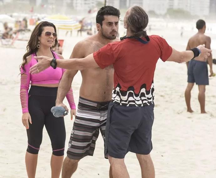 Vavá fica enfurecido ao ver Mel com outro e vai tirar satisfações (Foto: Raphael Dias / Gshow)