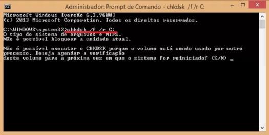 """Em prompt de comando, digite """"chkdsk /f /r C:"""" (Foto: Reprodução/Juliana Pixinine)"""