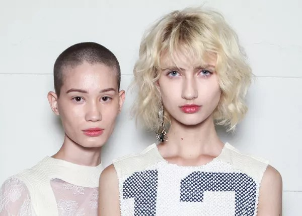 O cabelo curto é uma das tendências da temporada de verão 2017 (Foto: Fotosite)