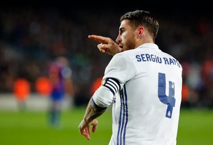 Sergio Ramos Barcelona Real Madrid (Foto: Pau Barrena / AFP)