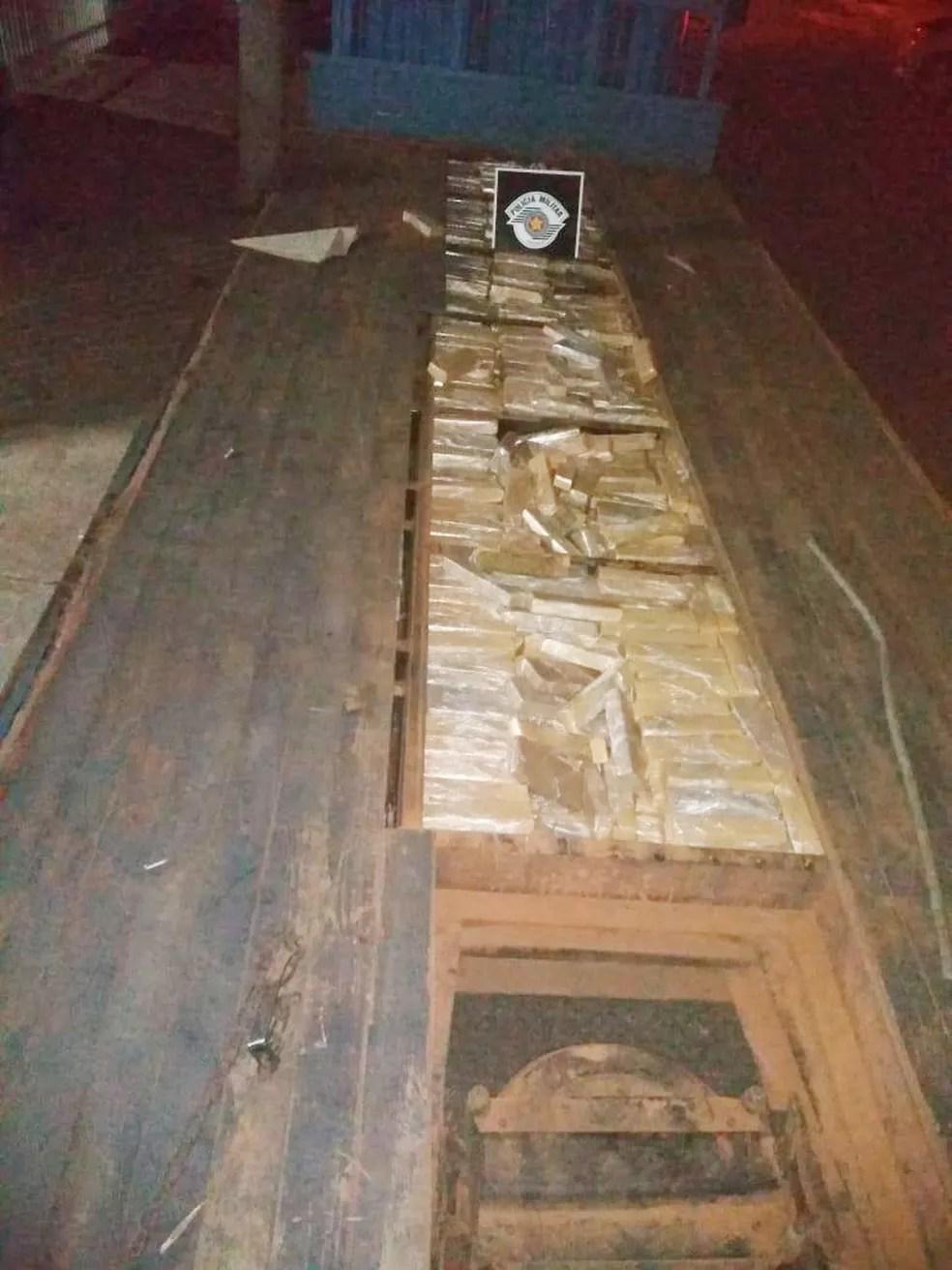 Quase 700kg de maconha foram apreendidos em Dracena — Foto: Polícia Militar