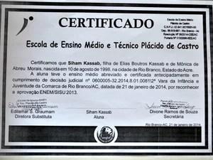 Certificado de conclusão de ensino médio de Siham Kassab (Foto: Caio Fulgêncio/G1)
