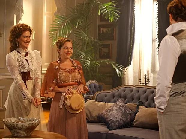 Isabela Garcia interpreta a solteirona Celinha (Foto: Lado a Lado / TV Globo)