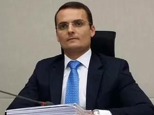 O advogado Sacha Reck, em outubro de 2015, na CPI do Transporte da Câmara Legislativa do Distrito Federal (Foto: Isabela Calzolari/G1)