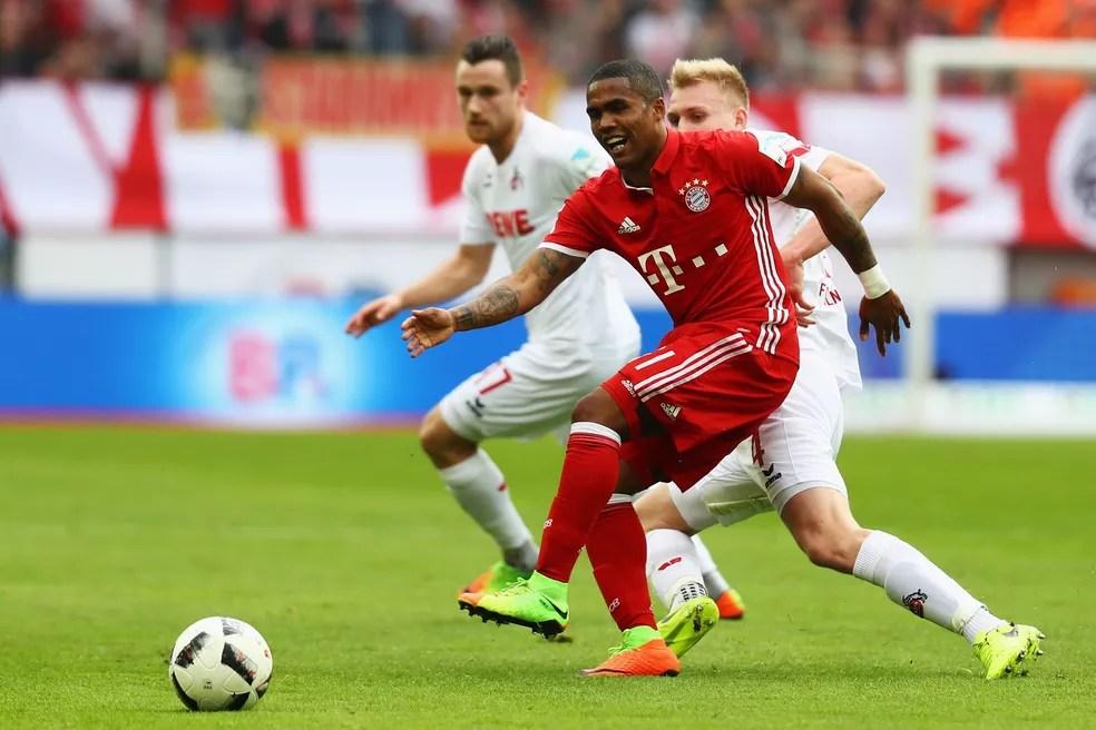 Douglas Costa pode trocar o Bayern de Munique pela Juventus  (Foto: AFP/Getty Images)