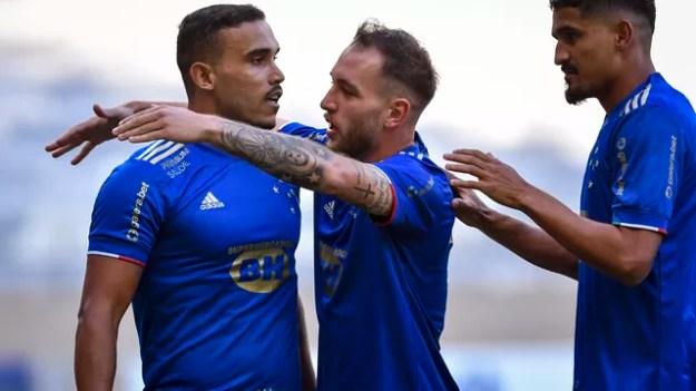 Pottker comemora gol pelo Cruzeiro