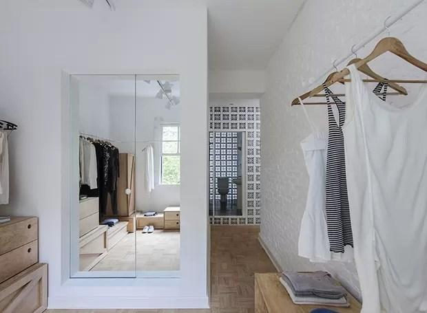 closet-espelho-cobogo (Foto: Djan Chu/Divulgação)