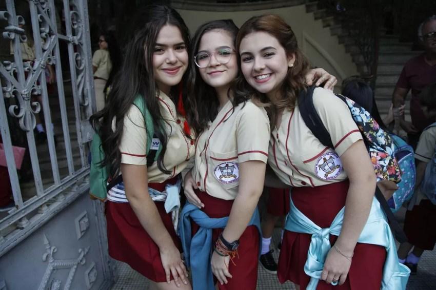 Manu (Klara Castanho), Gabi (Maisa Silva) e Ritinha (Mel Maia) em 'Tudo por um popstar' — Foto: Divulgação