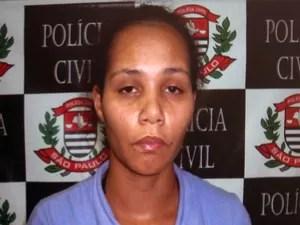 Rayana Cristina Ferreira de Lima, mãe de Camilly (Foto: Reprodução/TV Tribuna)