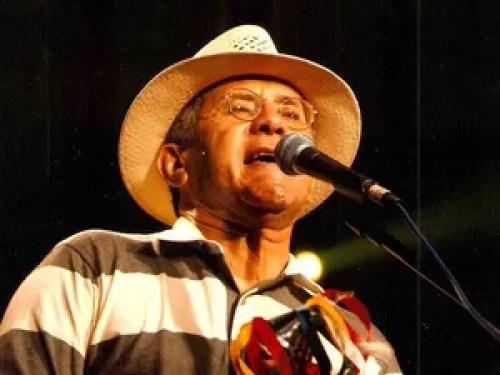 José de Ribamar Nunes, o Papete, lidera o espetáculo. O músico já tem 40 anos de carreira e 23 discos lançados. (Foto: Divulgação/Eraldo Peres)